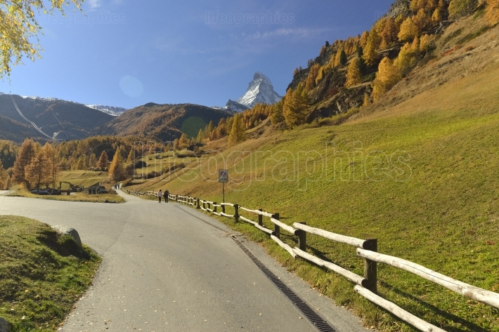 Autumn scene in zermatt with matterhorn mountain and hiking trail