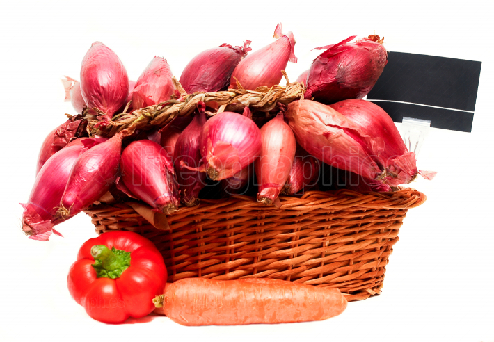 Basket full or red onions