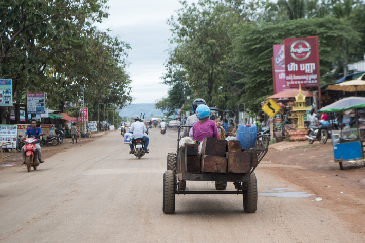CAMBODIA ANLONG VENG CITY TRANSPORT