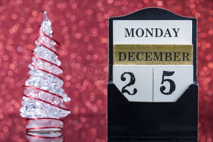 Christmas ornaments with wooden calendar