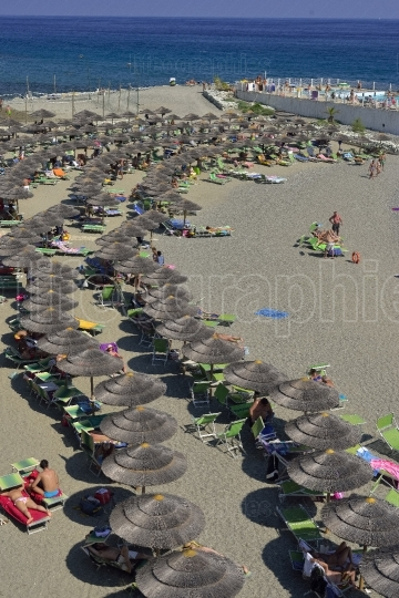 Crowded beach from Varazze