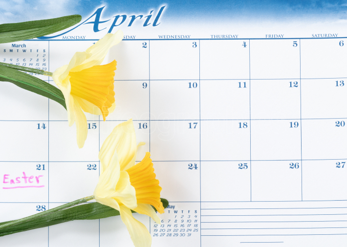 Easter holiday reminder marked on calendar with yellow daffodils