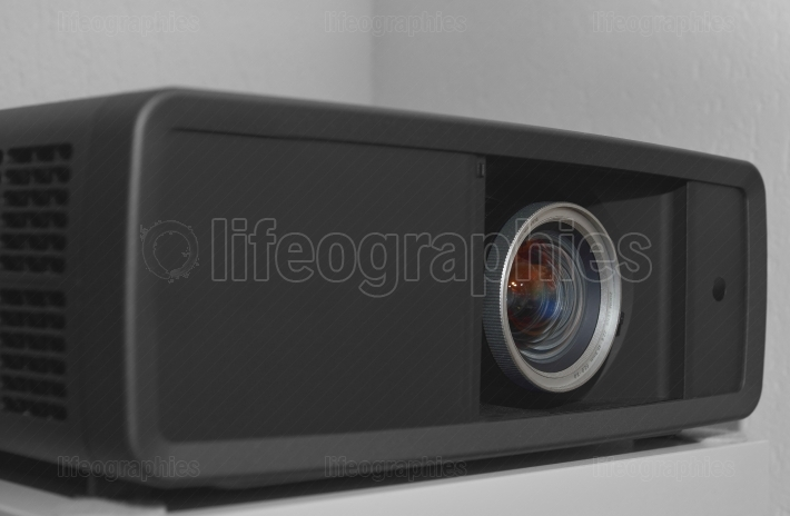 FULL HD Video projector