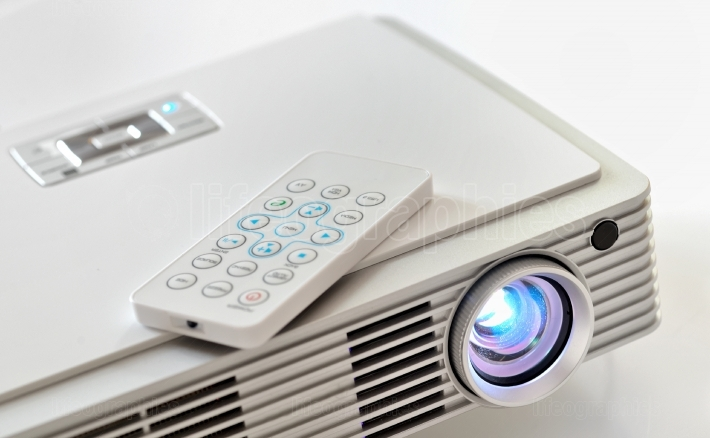 Home cinema led projector