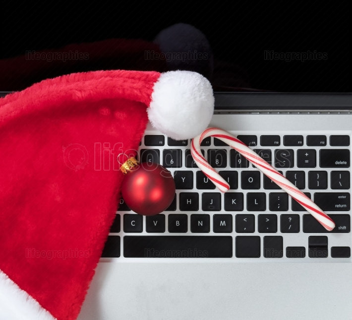Online shopping for Christmas holiday season