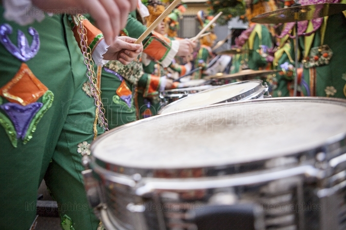 Performers plays drums at Carnival parade