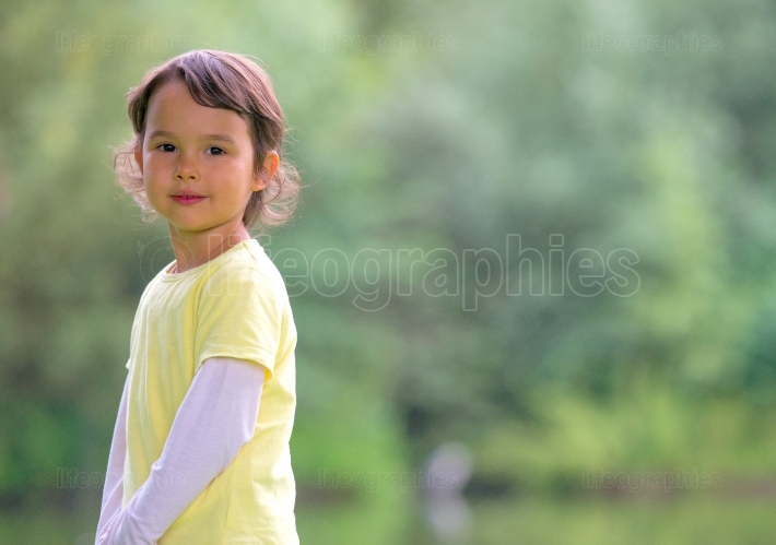 Portrait of o little girl outdoor
