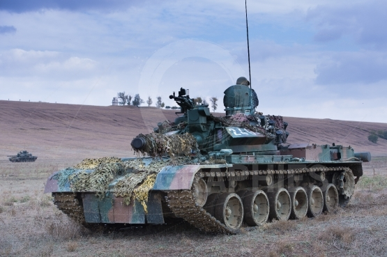 Romaian military on the tank TR85M1
