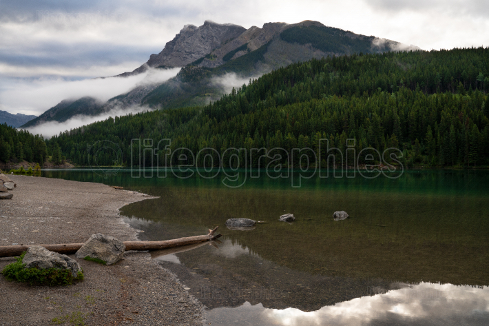 Two Jack Lake with early morning mood, Banff National Park, Albe