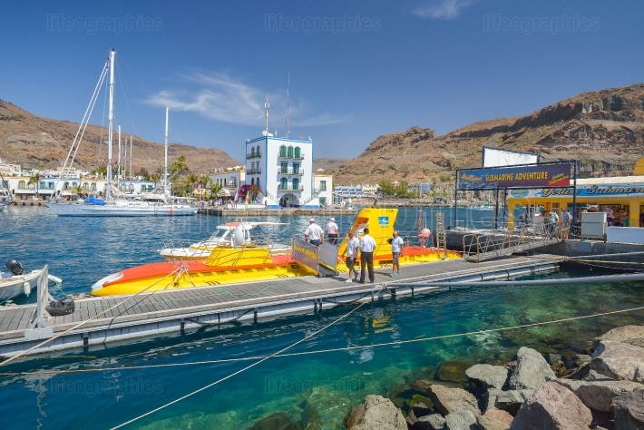 Yellow submarine experience in Puerto de Mogan, Gran Canaria, Spain